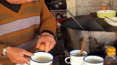 茶缸子里的美食,干了50年的老店,还是小时候的味道!