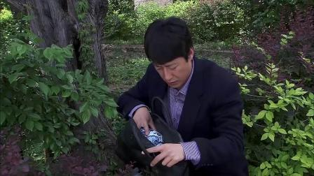 老总公司破产,不料当年扔掉的破花瓶,竟是价值千万的古董!