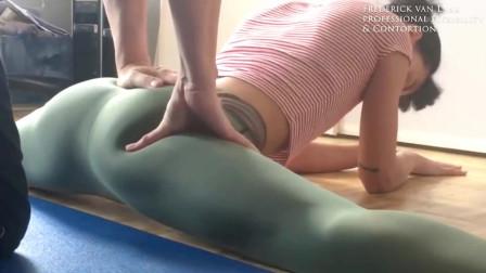 养生健身 美女瑜珈一字马练功