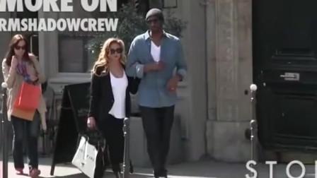 科比陪妻子上街买东西,抢着拎包,真是好丈夫!