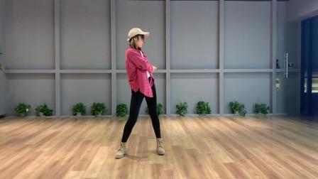 点击观看《太阳当空照NANA《不潮不用花钱》超有活力的舞蹈!》