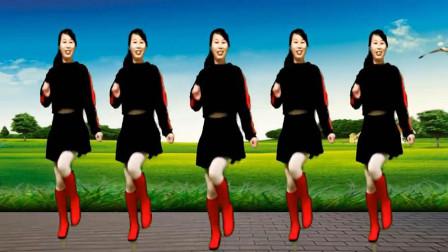 糖豆广场舞《爱情堡垒》 时尚欢快32步广场舞