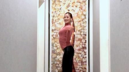 客厅广场舞《DJ慕夏》为武汉加油中国加油