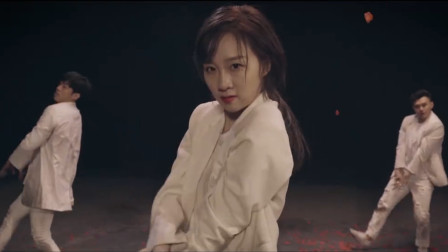 点击观看《李子璇《Burn It Out》舞蹈版MV》