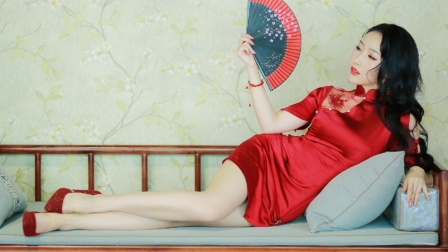 紫嘉儿舞蹈视频《处处吻》超绝踩点舞蹈版~