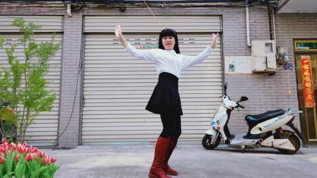 点击观看《麦芽广场舞《幕夏dj》 新编64步节拍舞蹈》