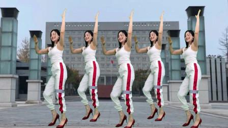 青青世界广场舞《嚣张DJ》跳得要火爆广场舞圈呀