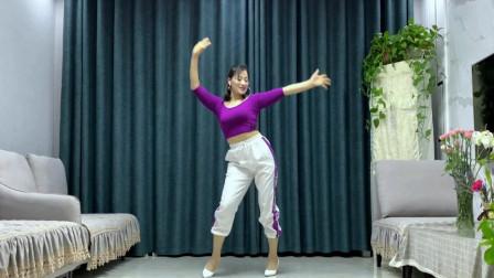 点击观看《美女学跳大众健身舞《爱的不容易》简单超快学会》