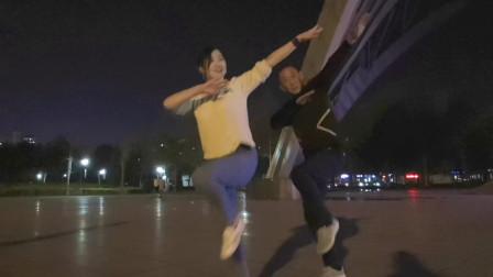 青青世界广场舞 58步曳步舞棒棒哒