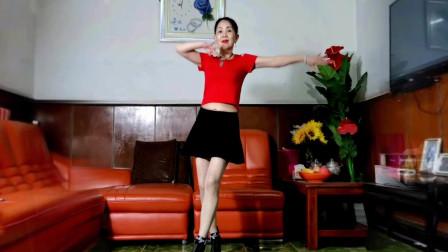 点击观看《中老年舞蹈视频大全《掌心里的宝》静儿跳起来女人味十足》