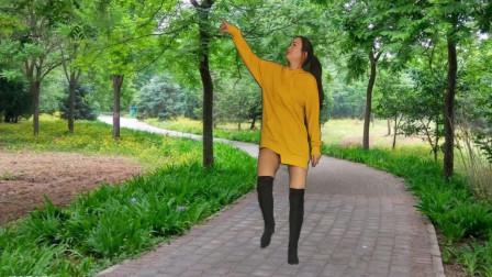 神农舞娘广场舞《点歌的人》好节奏,跳不够
