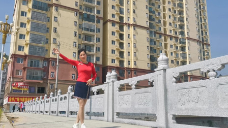 户外广场舞视频大全 优雅莹莹舞蹈《百花香》