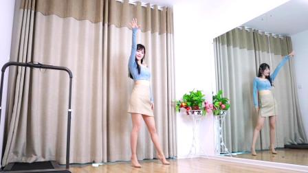 少妇DJ舞蹈 小君广场舞刚跳《不配怀念》