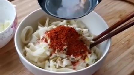 西安最正宗的油泼面,往辣椒上浇油那刻,才是真正的灵魂所在