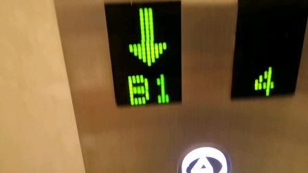 酒店大厅电梯