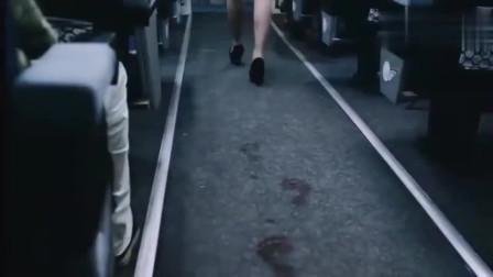 空姐走过之处竟留下了鬼脚印,和尚一看就看出了其中的问题