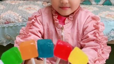 漂亮的彩色棒棒糖你想吃吗