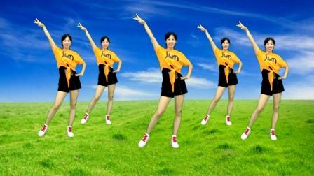 热门广场舞教学《只宠你一人》火爆了,简单动作跳出小蛮腰