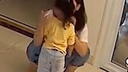 懂事的女儿遇上温柔的妈妈,看完监控知道什么是爱
