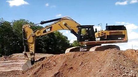 卡特329挖掘机装车作业视频