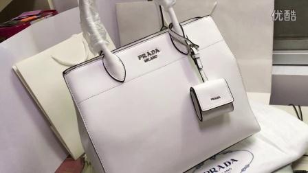 2016最新款Prada普拉达女包手提包真皮手袋白色多色大包女士斜挎包购物袋顶级意大利奢侈品欧美世界名牌批发购买加微信375959018价格优惠原版复刻高仿精仿