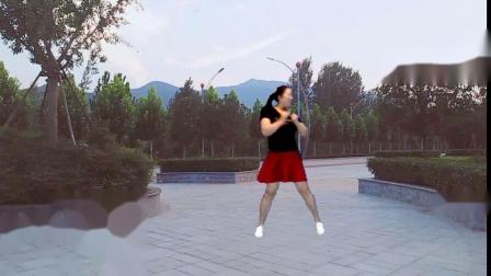 宜阳明萱广场舞 卡路里 正背面展示 网络上的流行神曲变成了广场舞歌曲