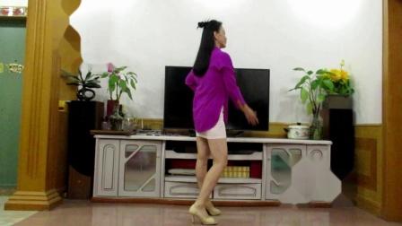 霞彩飞扬广场舞出局(DJ)    演唱: 易欣     编舞: 陈敏