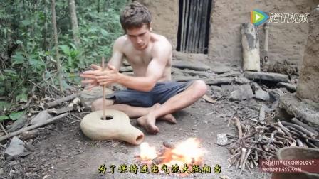 那個在野外徒手造房子的哥們 他的野外生存技巧又來啦!