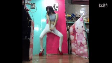 聂聂ruyi 美女自拍韩舞秀 紧身裤高挑身材高跟鞋舞蹈视频