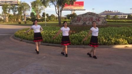 最新糖豆广场舞   柔情时尚现代舞前世今生的缘