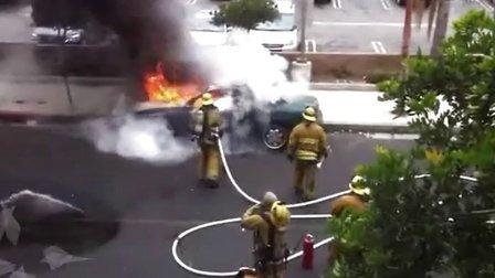 【拍客视界】全能消防战士  救民众于水火