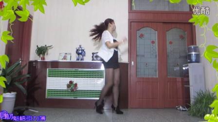 点击观看《金芙蓉广场舞 小沈阳神曲 八戒八戒 健身广场舞视频》