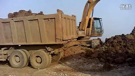 挖掘机装车1视频