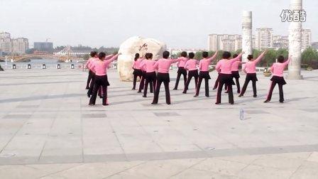 怡水明珠广场舞 雕花的马鞍