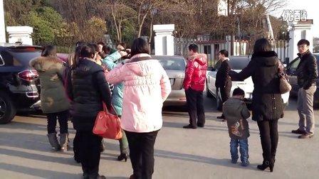 镇江高专视频992班-10年同学聚视频机制学手风琴图片
