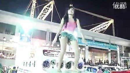 让你流鼻血的美女车模火辣热舞秀2!!