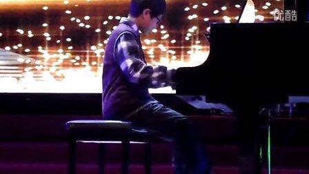 夜的钢琴曲舞蹈视频谁有
