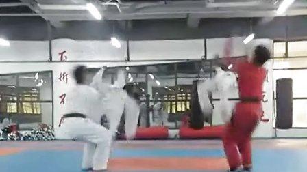 跆拳道教学 空翻教学 腿法特技教学 济南空翻培