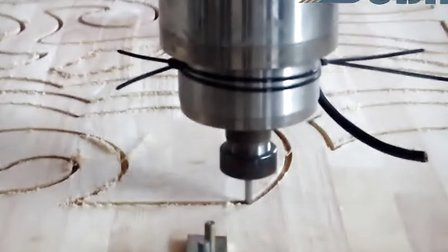 木工雕刻機視頻_木工雕刻機鏤空加工視頻_青島速霸推薦