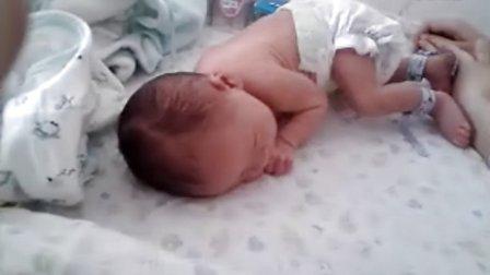 可爱小宝宝背影