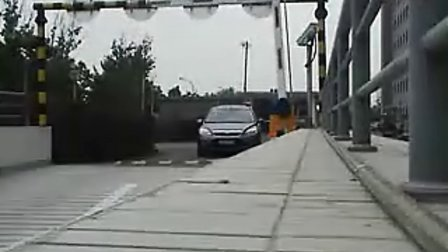華仕萊科技現場視頻-車牌識別不停車通行停車場系統