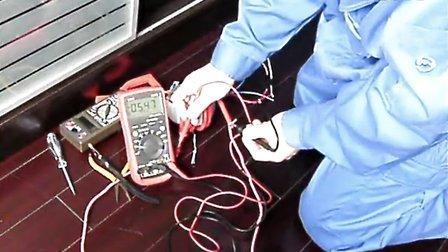 自己用100W環形變壓器加繞4圈25平方的銅線電壓0.7V 電流過100A