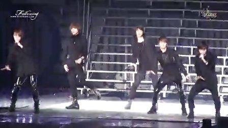 Ring Ding Dong K-POP Super演唱会现场版 - SHINee MV 高清在线观看