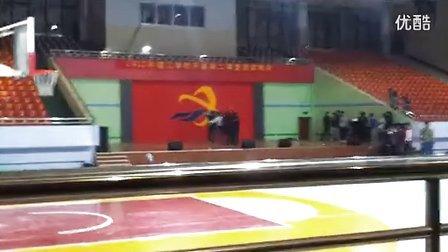 山东英才学院暴动12建工系颁奖晚会雷人舞蹈