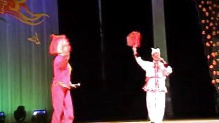 二人台《挂红灯》   表演者:刘俊