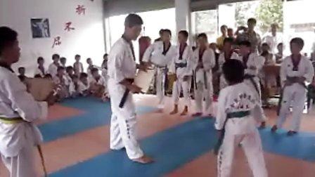 金凯跆拳道馆v视频课-视频-3023体育-3023.荷花谷漂流图片