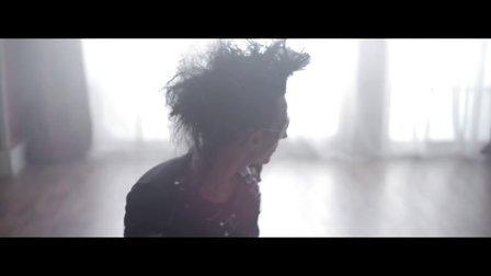 Je T'aime 英文版 - Liviu Hodor,Mona MV 超高清在线观看