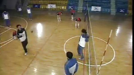 排球视频教学:37(四人接发球、大强度训练、防反串联)