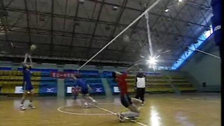排球视频教学:14(背垫技术、发球训练、身体素质训练)