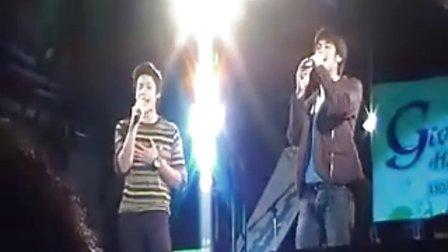 泰国Boy和Mark 20101210 IT SQUARE粉丝见面会合唱筑梦主题歌